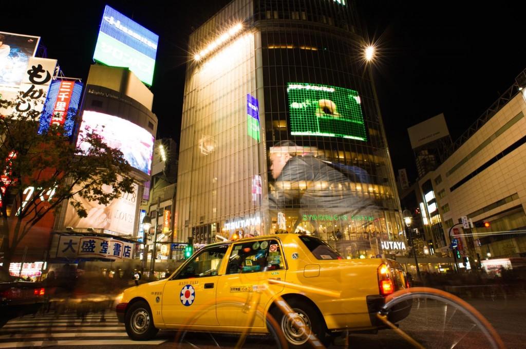 ShibuyaCrossing_ShibuyaNov2012_Blotto_1854